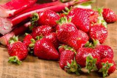 怎么分辨草莓是不是催熟的?催熟的草莓有哪些特征?[多图]