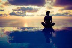瑜伽练习能够减轻腰酸背痛吗?瑜伽对治疗腰酸背痛有没有效果?[多图]