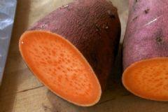红薯切开后变黑能吃吗?为什么红薯切开后会变黑?[图]