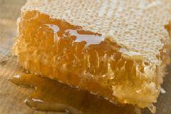 小孩能吃蜂巢蜜吗?蜂巢蜜小孩可以吃吗?[图]