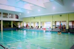 游泳池水对人有害吗?游泳池的水对皮肤有害吗?[图]