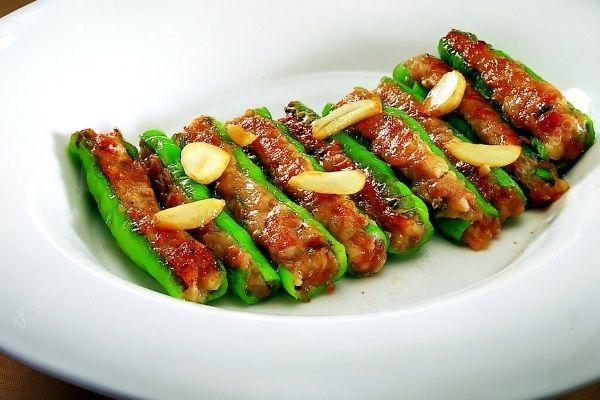 辣椒里面塞肉馅叫什么菜?辣椒里面塞肉馅怎么做?(2)