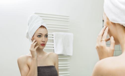 冬季护肤需要注意避开的误区 教你自制补水面膜保湿一冬