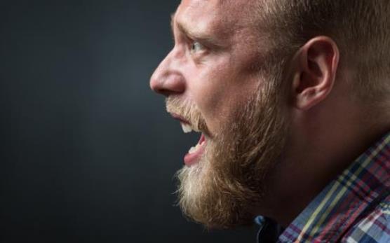 剖析人发怒的根源和动机 认识适度控制怒气的方法