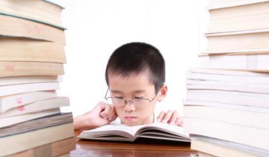 孩子近视会影响一生 预防孩子近视坚持每日做健眼操