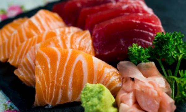 日常的食物里可能含寄生虫 避免寄生虫用开水还不够