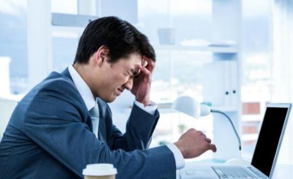 经常头疼是怎么回事 可冰袋冷敷或按摩头部缓解症状