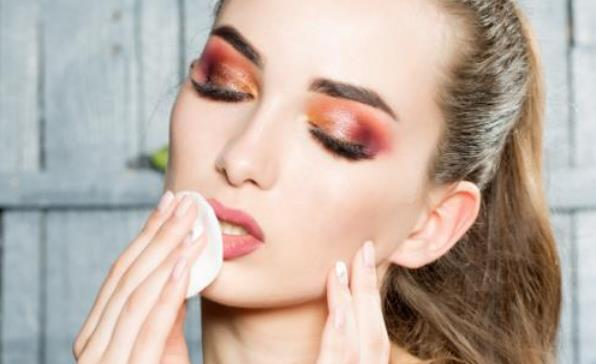警惕卸妆误区卸妆的正确示范 日常快速卸妆的方法