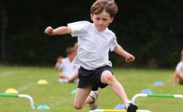 幼儿运动应有科学的指导性 家长要选择适合孩子的运动