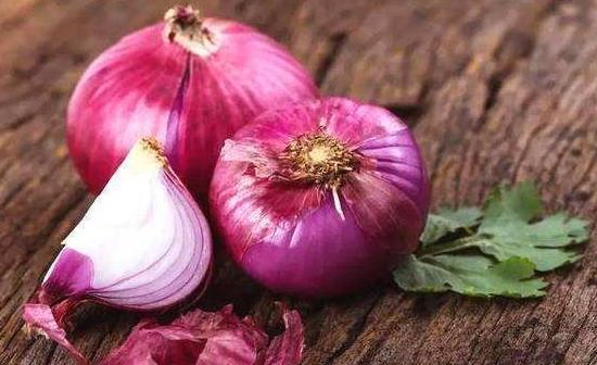 女人吃洋葱的十大好处:养颜美白还能预防感冒