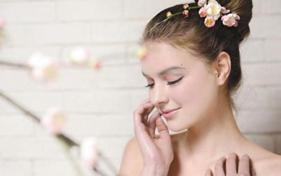 女性日常护肤宝典:不同类型的肌肤如何做好日常保养