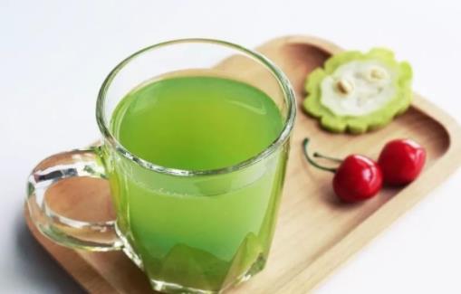 喝苦瓜水对女人有什么好处?苦瓜汁敷脸能祛痘吗?