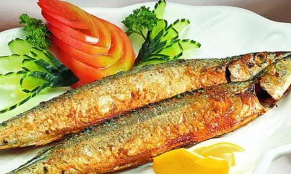 吃秋刀鱼有哪些好处?怎么给秋刀鱼去鳞