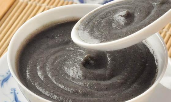 黑芝麻糊有什么功效与作用?喝黑芝麻糊需注意什么?
