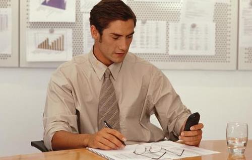 职场上该如何获得自信?职场新人如何学会调节情绪?
