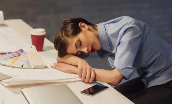 上班族午睡的好处有哪些?上班族如何午休才正确?