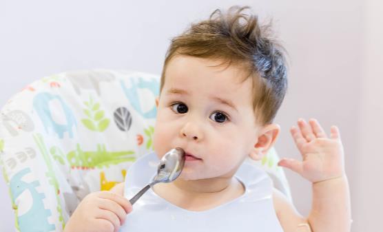 小儿肺炎症状有哪些?如何预防小儿肺炎?