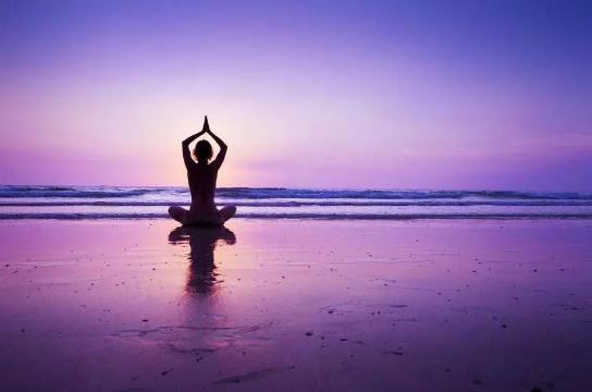 初学瑜伽可以练空中瑜伽吗?空中瑜伽好学吗?