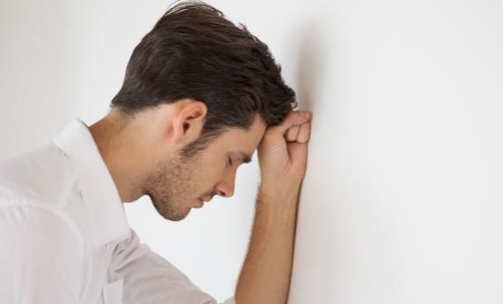 焦虑症会导致哪些危害?焦虑症怎么治疗?