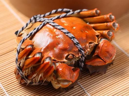 大闸蟹蒸15分钟就熟了吗 大闸蟹带绳子蒸还是去掉绳子蒸