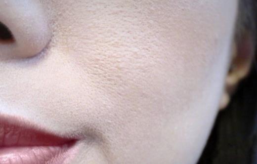 为什么鼻子一化妆就卡粉 皮肤卡粉是什么意思怎么解决